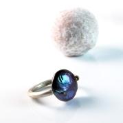 MnM pearl ring + truffle