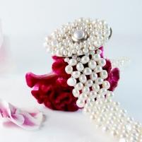 pearl choker + flowers