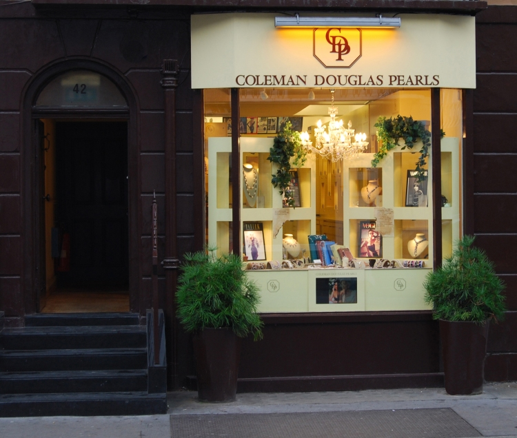 coleman-douglas-pearls-shop-window-1