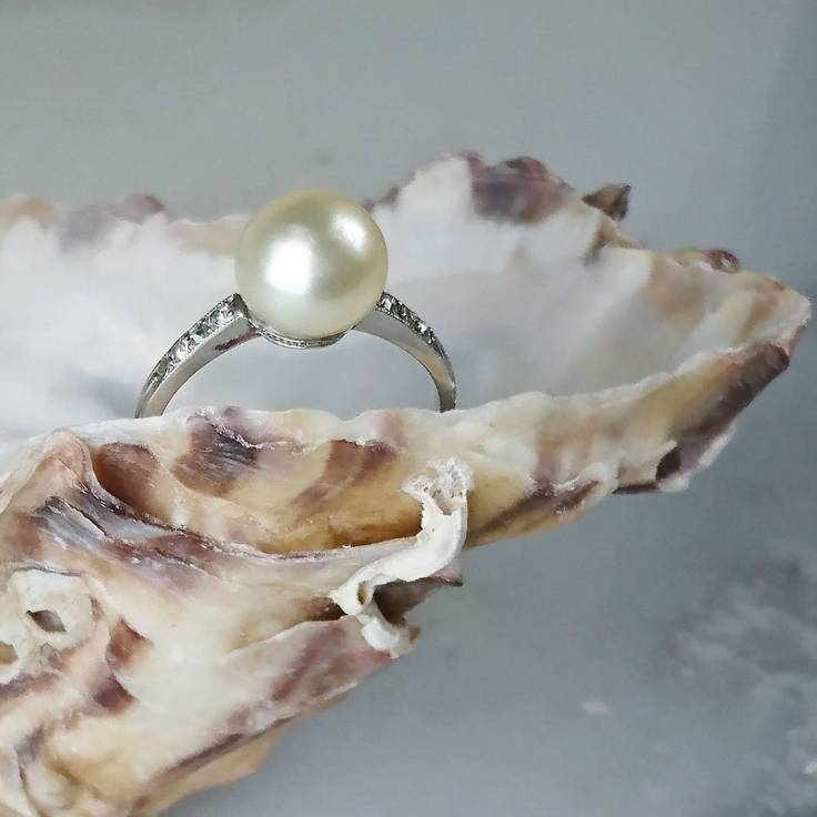 Natural Pearl ring with diamonds